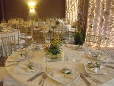 Noches de luz #Matrimonio #luz #fantansia #love #amor #blanco #beige #flores #Tiffani #luces #menaje #wedding #boda #matrimonio #social #eventos #salones