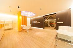 http://www.kleynprojectmeubelen.nl/product/xs-sound-take-akoestische-ruimteverdeler/  XS Sound Take akoestische ruimteverdeler  Wij zorgen voor een ontwerp dat integreert met uw gebouw, neem contact met ons op voor een vrijblijvend gesprek:  Kleyn Projectinrichter Tel: +31 73 8514525