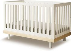 Classic convertible bed 0 - 6 years - Walnut Oeuf NYC Baby Children- A large selection of Design on Smallable, the Family Concept Store - More than 600