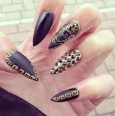 Acrylic Nail Designs 2016 - We are going to share here a Collection of Different Acrylic Nail Designs 2015 here. Check out how to take off acrylic nails Pointy Nails, Stiletto Nail Art, Matte Nails, Nail Designs 2015, Acrylic Nail Designs, Nail Swag, Nailart, French Nails Glitter, Gold Nail