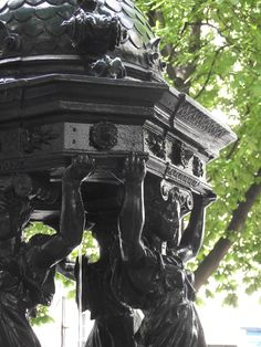 fontaine place pigalle