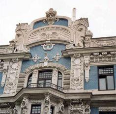 art nouveau architecture effigy