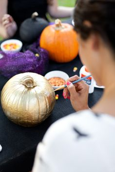 How to throw a No-Carve Pumpkin Decorating Party with friends