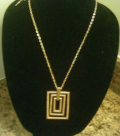 Vintage Sarah Coventry Necklace $18.99