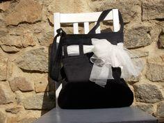 manžestrová kabelka s bílým šátkem