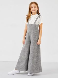 Shop Girls Zip Back Bow Strap Jumpsuit online. SHEIN offers Girls Zip Back Bow Strap Jumpsuit & more to fit your fashionable needs. Kids Outfits Girls, Cute Girl Outfits, Girls Fashion Clothes, Tween Fashion, Teen Fashion Outfits, Little Girl Dresses, Girls Dresses, Teenage Girl Outfits, Mode Kpop