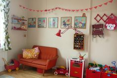 the boo and the boy: Vintage/eclectic kids' rooms. Super cute!! #OobiBaby
