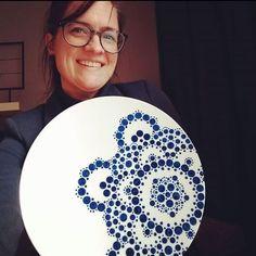 Dots Design.NL Start met stippen Mandala Art, Mandala Painting, Dot Painting, Dots Design, Aboriginal Art, Pottery Painting, Doodle Drawings, Rock Art, Art Tutorials