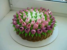 Tulips Russian piping tips >> 50 Pictures of Unique and Creative Food Recipes - Delicious Comments in Topic Cake Icing, Buttercream Cake, Eat Cake, Cupcake Cakes, Frosting, Buttercream Flowers, Cake Decorating Techniques, Cake Decorating Tips, Cookie Decorating