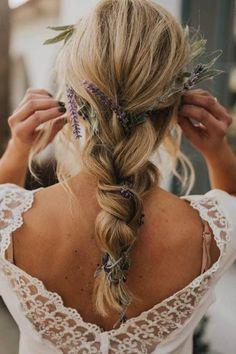 Bruidskapsels ter inspiratie voor bruiden met halflang haar - Weddings Wedding Hairstyles For Women, Side Hairstyles, Box Braids Hairstyles, Half Up Wedding Hair, Long Hair Wedding Styles, Wedding Hair And Makeup, Wedding Updo, Loose Braids, Long Box Braids