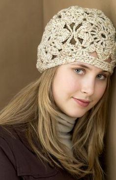 Free Crochet Lacey flower hat (pattern)