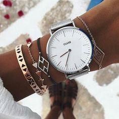 Assortiment bracelet/montre très classe, j'adore.