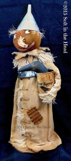 Soft in the Head Primitive Halloween Decor, Primitive Fall, Halloween Quilts, Halloween Doll, Primitive Folk Art, Fall Halloween, Halloween Crafts, Halloween Decorations, Halloween Stuff