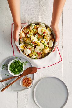 Loaded potato salad recipe from saputo. Side Salad Recipes, Salad Recipes Video, Side Dish Recipes, Loaded Potato Salad, Potato Salad With Egg, Mexican Food Recipes, Healthy Recipes, Healthy Food, Picnic Foods