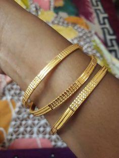 Gold Chain Design, Gold Bangles Design, Gold Jewellery Design, Gold Jewelry, Gold Bangle Bracelet, Gold Necklace, Designer Bangles, Mens Gold Rings, Bridal Bangles