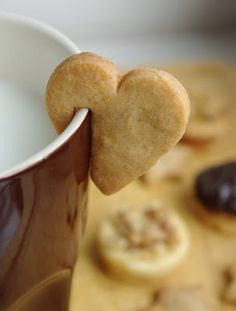 If I ever decide to open up a coffee shop, you bet these little cookies will go on every mug of coffee and tea!