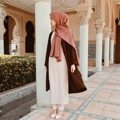 Lafiye New Arrivals ( Outer Oversized Brown ) Muslim Fashion, Modest Fashion, Fashion Outfits, Womens Fashion, Muslim Girls, Muslim Women, Prom Outfits, Prom Dresses, School Outfits