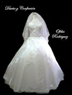 Vestido de novia. Ofelia Rdz