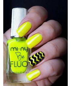 Siete alla ricerca di un' ondata di colore per le Vostre Unghie? Provate gli smalti FLUO YELLOW e BLACK MANIA by MI-NY e realizzate una Chevron Nail Art davvero GLAM! SHOP ONLINE: http://www.minyshop.com/it/be-fluo/319-smalto-be-fluo-fluo-yellow-.html