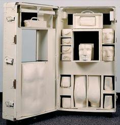 Bernardo Salcedo, Colombia Colombian Art, Box Art, Art Boxes, Bathroom Medicine Cabinet, Locker Storage, Furniture, Instagram, Design, Home Decor