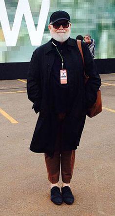 Lula é nosso colaborador da linha Raphael Steffens aqui no blog, no Style for Man, e escreve nossos posts na categoria Para Eles, com pautas relacionadas a lifestyle, comportamento, tecnologia, acessórios e, claro, moda masculina.  Fizemos um bate- bola com ele para entender melhor sobre o que ele pensa do universo masculino hoje: