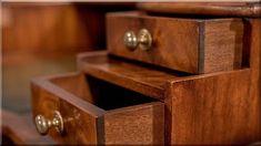 Sheraton antik bútor