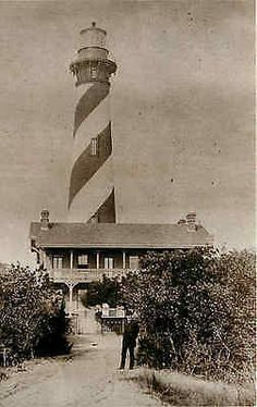 Augustine Florida FL 1885 The first St. Augustine lighthouse was built in 1586 but the present lighthouse and keeper's h Vintage Florida, Old Florida, Florida Travel, Travel Usa, Anastasia Island, St Augustine Lighthouse, Puerto Rico, Ormond Beach, Beacon Of Light