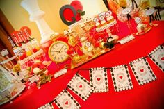 Noivado no Tema Rainha Vermelha ~ Senhora Inspiração!