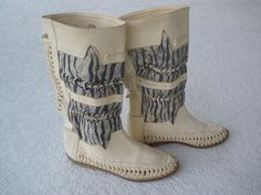 Wouldn't these look so pretty with a pair of skinny jeans and an oversized sweater?