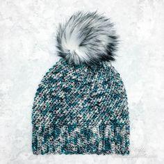 Crochet Arctic Paradise Slouchy Hat - Free Pattern — Left in Knots One Skein Crochet, Crochet Car, Crochet Slouchy Hat, Crochet Slippers, Free Crochet, Slouch Hats, Crochet Granny, Double Crochet, Scarf Crochet