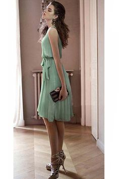 Light Green Sleeveless Chiffon Dress_I LOVE the shoes! Green Chiffon Dress, Mint Dress, Green Dress, White Dress, Dress Red, Vestidos Chiffon, Fashion Online Shop, Vestido Casual, Vintage Style Dresses