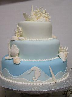 海をテーマにしたウェディングケーキはいかが?
