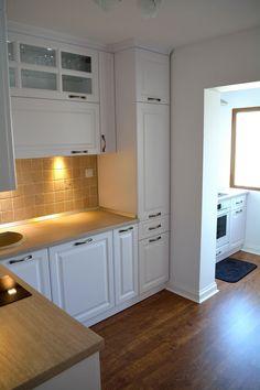 Mobila de Bucatarie Rustica cu Usi din MDF Alb Titan Model Frezare A62P Interior Decorating, Interior Design, Design Case, Sweet Home, Kitchen Cabinets, House, Kitchen Ideas, Kitchens, Home Decor