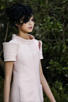 Extra Shoulders @CHANEL Chanel Spring Summer 2013 #HauteCouture #Fashion #Details