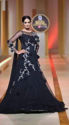 Yasmeen by Akram Pakistani Bridal Dresses Displayed newest official at Qmobile Sound Bridal fashion Week 2017 in Karachi.Yasmeen by Akram selection Latest Bridal Dresses, Pakistani Bridal Dresses, Wedding Dresses, Wedding Decorations, Formal Dresses, Style, Fashion, Vestidos, Feminine Style