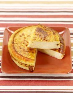 Recette Cheesecake simplissime : Rincez le citron, épongez-le et râpez son zeste au-dessus du bol d'un robot. Coupez-le en deux, pressez-le, filtrez son j...