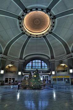 Winnipeg, Canada train station at Christmas! O Canada, Canada Travel, Places Around The World, Around The Worlds, Union Station, Central Station, Trains, Largest Countries, Beautiful Architecture