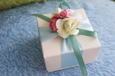 diy peonies wedding paper flowers favor box centerpieces with ribbon bow - paper craft, vintage wedding style, paper idea decoration