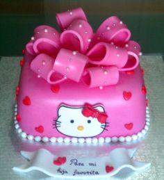 Otra tarta de Hello Kitty                                                       …