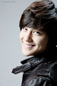 Kim Bum. I have no clue who this guy is, but he's cute. :)정선카지노 PINK14.COM 정선카지노 정선카지노 정선카지노 바카라