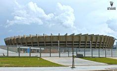 Uma experiência incrível de se viver em Belo Horizonte é assistir um jogo no Mineirão (Estádio Governador Magalhães Pinto), o gigante da Pampulha.
