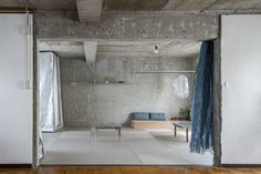 Reception House in Higashiyama / nanometer architecture Nagoya, Construction City, Concrete Interiors, Exposed Concrete, Empty Spaces, Architect House, Reception Rooms, Drawing Room, Condominium