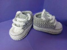 getlinkyoutube.com-How to crochet My easy new born baby converse style slippers p2
