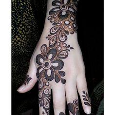 من أجمل نقوشآت الحناء  The most beautiful henna designs