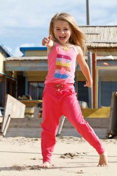 Bomba for girls spring 2014 : Bomba for girls | een kleurrijke Nederlands meisjes merk, Het kleurrijke Nederlandse kinderkledingmerk Bomba for girls heeft leuke details, girly artworks en is gemaakt van mooie dessinstofjes.