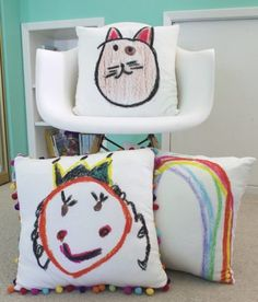 Turn your children's art into the sweetest fabric to use to create custom cushions. Diy Projects For Kids, Craft Activities For Kids, Diy For Kids, How To Make Pillows, Diy Pillows, Pillow Ideas, Paper Mache Crafts, Diy Bags Purses, Custom Cushions