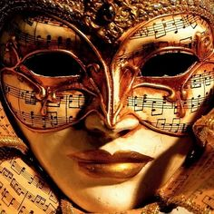 "Girl Talk: ""Beauty Behind The Mask"" (D. Natural Facial Masks) …many ""Do It Yourself"" Homemade Natural Mask Recipes ! Angel of music Carnival Of Venice, Carnival Masks, Costume Venitien, Venice Mask, Masquerade Party, Masquerade Masks, Beautiful Mask, Beautiful Images, Mardi Gras Party"