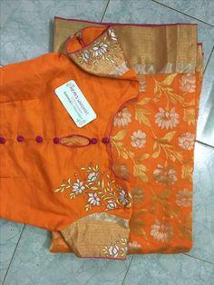 Check the blouse design Saree Blouse Neck Designs, Fancy Blouse Designs, Saree Blouse Patterns, Bridal Blouse Designs, Maggam Work Designs, Stylish Blouse Design, Blouse Models, Collor, Work Blouse