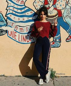Camila Cabello ❤ love the place ! Mode Outfits, Casual Outfits, Fashion Outfits, Womens Fashion, Mode Ootd, Camila And Lauren, Fangirl, Outfit Goals, Look Fashion