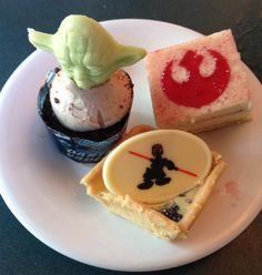 Star Wars Weekends: A Meal with Jedi Mickey